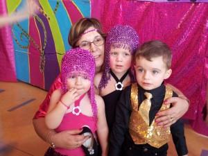 Ma Tata Lydia et ses 3 chéris : moi, Chloé & Camille